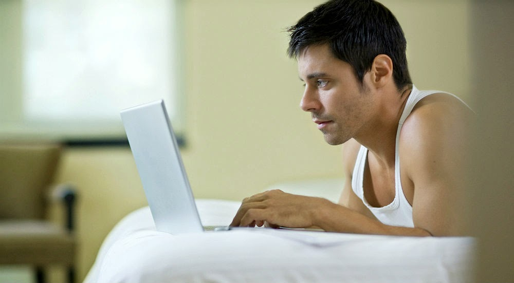 The Dos and Don'ts of Online Dating image