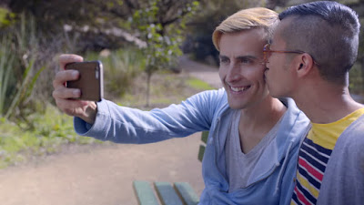 7 Relationship Tips That Gay Couples Often Forget image