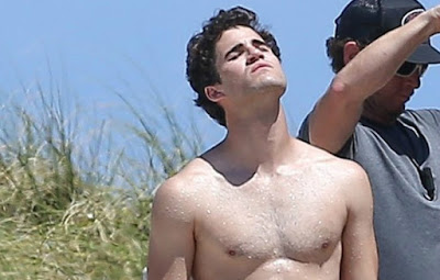"""Twitter's gone nuts over these pics of Darren Criss in a tiny Speedo for """"American Crime Story"""" image"""
